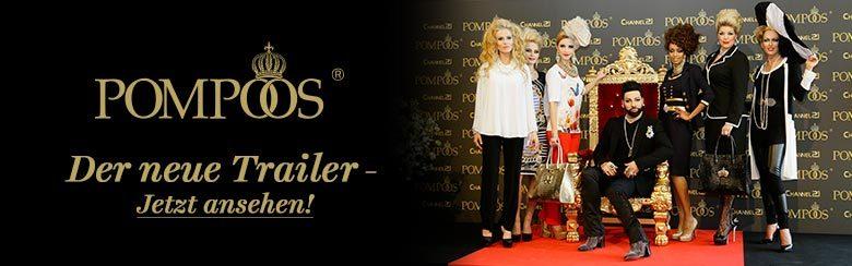 Banner zum Trailer von POMPÖÖS. Harald Glöckler sitz auf einem Thron. Um ihn herum stehen Models in seiner Mode gekleidet.